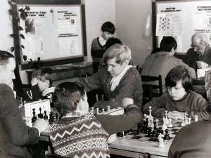 Первые чемпионы шахматной школы - семья Устынюк
